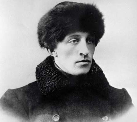 Сочинение Мой любимый поэт серебряного века (Ахматова и Цветаева)